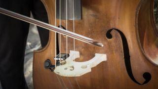 移弦でどうしてもアクセントがつく悩みを解決!なめらかな移弦のコツ