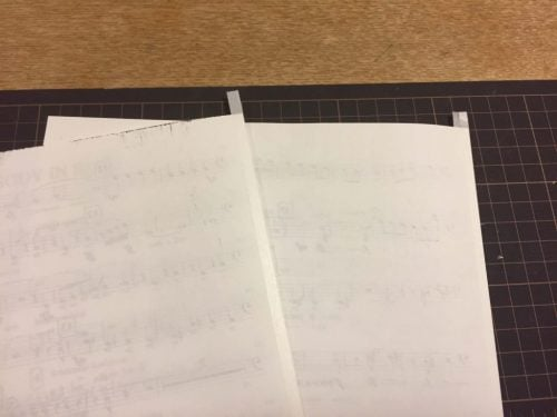 見開きページを2つに折る