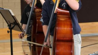 コントラバスを弓で弾き始めるとき、発音がかすれる4つの原因